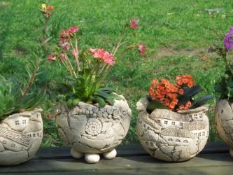 Blumen- oder Kräutertöpfe